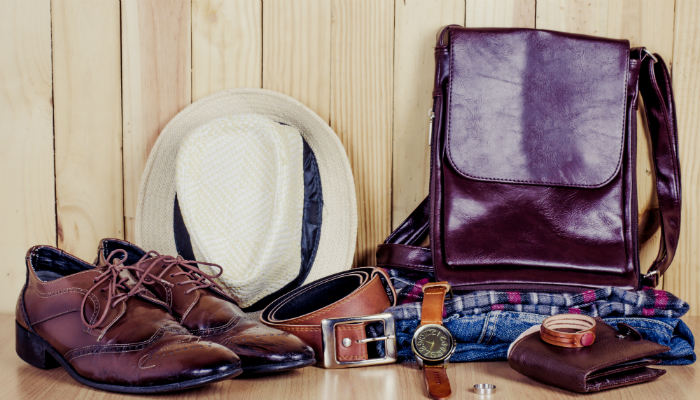 Accessories & Clothes image